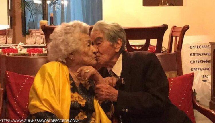 """صورة """"الزيجة المرفوضة"""" صمدت لعقود.. تعرف إلى أقدم زوجين في العالم"""