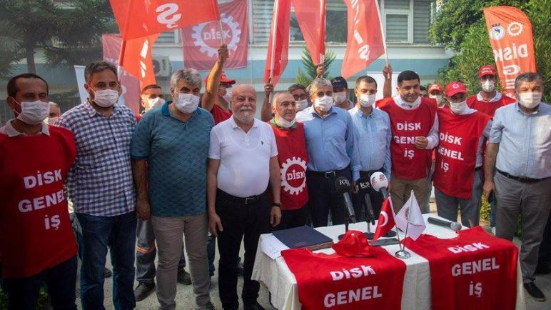 صورة راتب ٣٣٠٠ ليرة تركية و ٤٠٠ ليرة معونة ..شركة كبيرة في احدى البلديات التركية تزف بشرى سارة للعمال