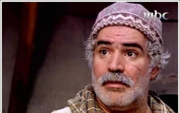 صورة عمل في بيع العلكة ومحا أميته وعمره 15 عاماً ثم نال دكتوراه بالفلسفة، قصة نزار أبو حجر(أبو غالب)