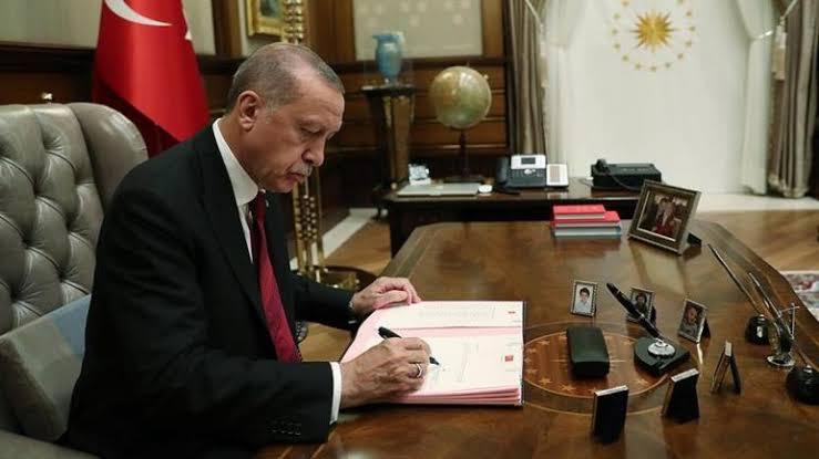 صورة عاجل : منذ الفجر.. أردوغان يوقع على مرسوم هام لسكان تركيا نشر بالجريدة الرسمية