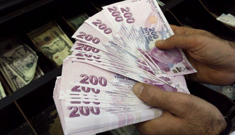 صورة عاجل : اللّيرة التركية تقاوم العقوبات الأمريكية وتسجل سعرا مفاجئا مقابل الدولار الخميس