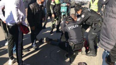 صورة مواطن سوري يشـ.ـهر السـ.ـكين بوجـ.ـه الشرطة التركية.. إليكم التفاصيل