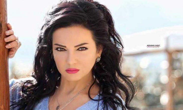 """صورة """"صفاء سلطان """"تدّعي الألوهية وغضب واسع بعد كلامها"""