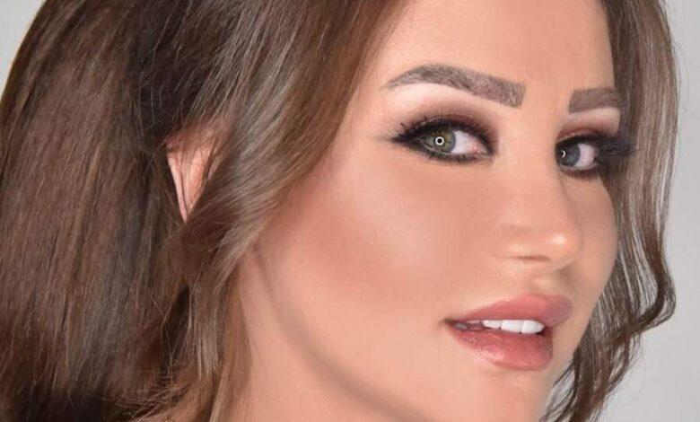 """صورة تزوجت بسن الثالثة عشرة وكاد حـ.ـادث سير أن يودي بحياتها .. قصة الفنانة """"نادين قدور"""" ملكة جمال سوريا"""