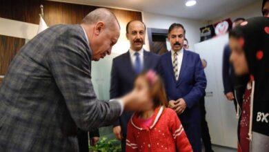صورة داعية إلى منحهم هذا الحق في أسرع وقت.. تصريحات رسمية تركية بشأن السوريين في تركيا