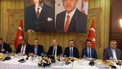 صورة مسؤول تركي يوجه رسالة هامة للسوريين في تركيا بشأن تواجدهم في تركيا ومستقبلهم