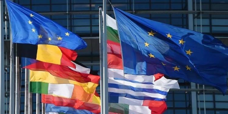 صورة دولة أوروبية تقترح مشروع قانون صـ.ـارم للحد من الهجرة،والتقليل الحصول على الإقامات الدائمة