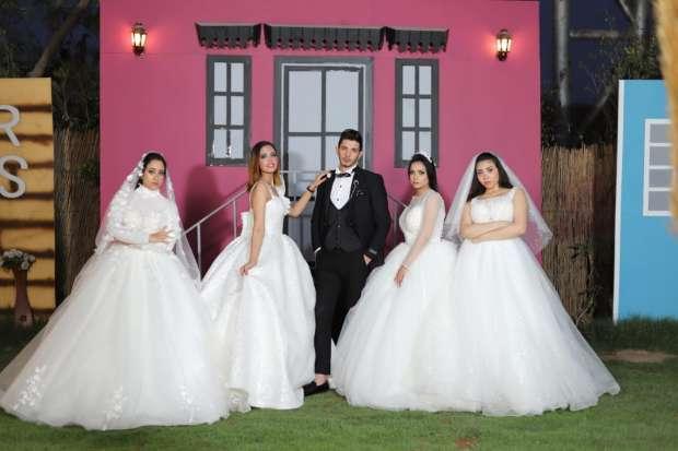 صورة شاب مصري يتزوج أربع فتيات في ليلة واحدة.. حادثة تثير جدلا وهذه قصتها