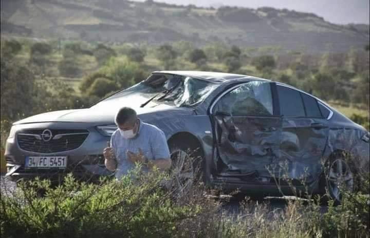 صورة سجد شكرا لله فور نجاته.. سائق تركي يشـ.ـعل مواقع التواصل بما فعله بعد حادث أليم وهذا ما قاله