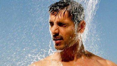 صورة الأغلبية يفعلها.. خبراء يصدرون تحـ.ذيرات صحية مهمة بشأن الإستحمام بالماء الساخن