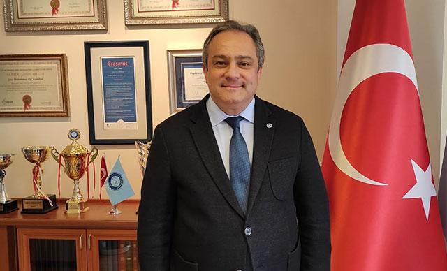 صورة عضو اللجنة العلمية التركية يعلن عن خبر سار لسكان تركيا ويكشف عن تاريخ العودة لحياتنا الطبيعية