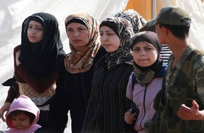صورة تصريحات من مجموعة من الصبايا السوريات في تركيا بشأن أبرز المشاكل والعقبات في المهجر