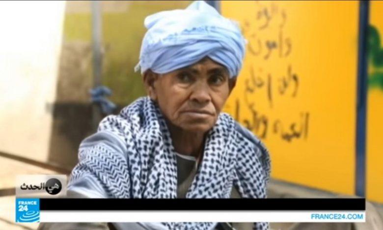 صورة تنكرت بزي رجل لمدة 50 عاما.. كافحت لإعالة أطفالها ثم كشفت نفسها.. إليكم قصة المرأة المصرية المعجزة (فيديو)