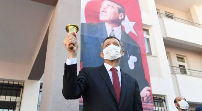 صورة عاجل: وزارة التربية التركية تكشف عن موعد بدء منح الدروس في المدارس طوال أيام الأسبوع