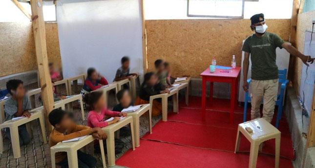 صورة بمساعدة ناشطين أتراك.. شاب سوري يصبح حديث الاعلام التركي