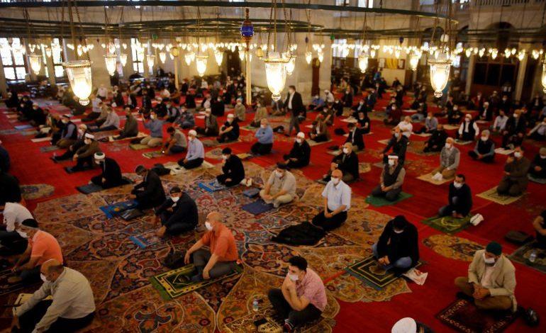 صورة هام: الشؤون الدينية التركية تنشر موعد صلاة العيد في كل ولاية على حدة