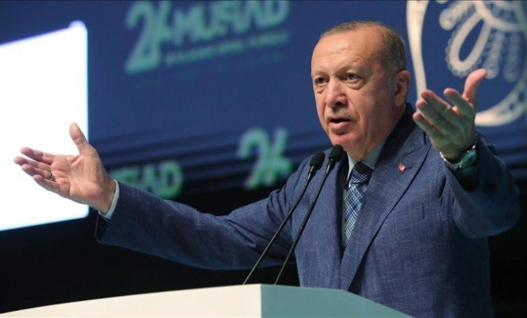 صورة الرئيس أردوغان محذراً دول العالم من قوة بلاده.. ستروننا في سوريا قريباً