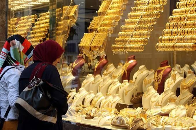 صورة 100 دولار كم ليرة تركية تساوي.. إليكم أخر نشرة لسعر صرف الليرة التركية والذهب أمام الدولار واليورو وباقي العملات اليوم الأحد