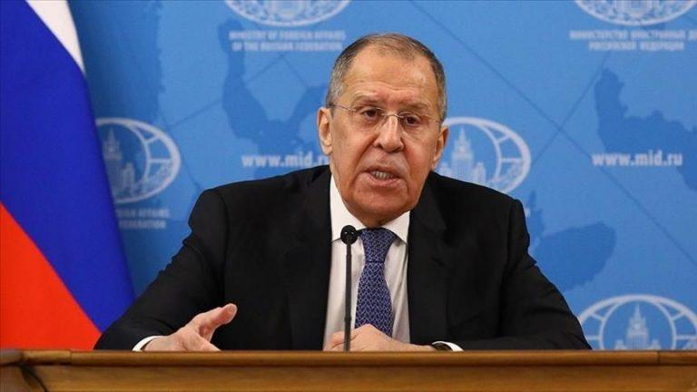 صورة وزير الخارجية الروسي يزف بشرى الرئيس بوتين للشعب السوري حول استئناف مابدءه في سوريا سابقاً