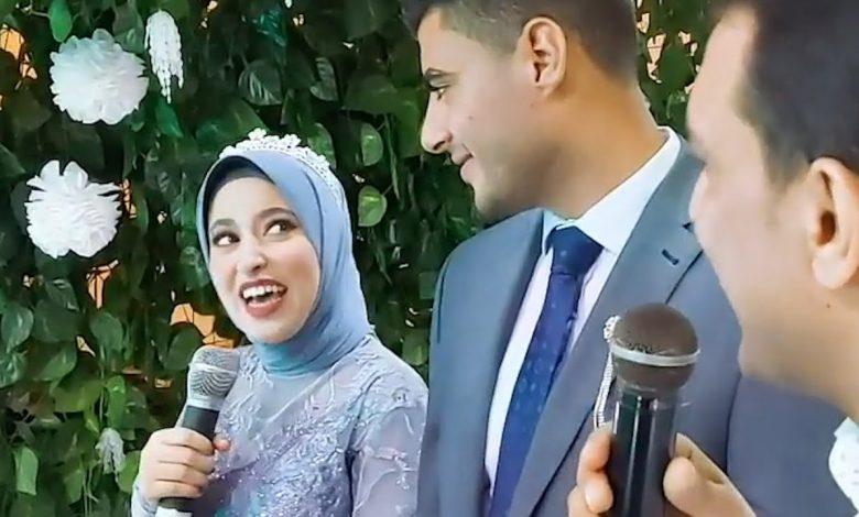 صورة طلبوا منها الإنشاد في حفل خطوبتها فأبدعت.. فتاة مصرية تُشعل مواقع التواصل في حفل خطوبتها (فيديو)
